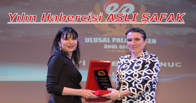 Ulusal Palandöken Ödül Töreninde Aslı Şafak'a Ödül...